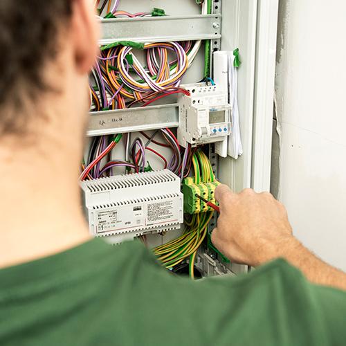 E-Team Plose Serviceleistungen Servicebereich Elektro